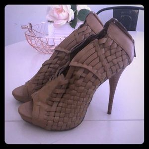 Michael Antonio heel sandals